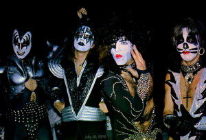 kiss ~ July 10, 1976 (summer) Destroyer tour