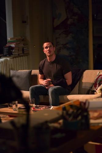 Luke Macfarlane Hintergrund containing a living room entitled reverberation