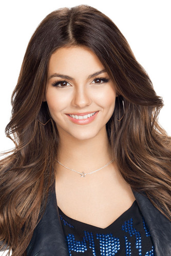 Victoria Justice wallpaper containing a portrait called <3 Beautiful Victoria <3
