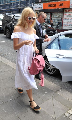 Pixie Out in Londres