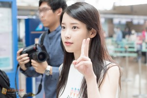 150615 ‪IU‬ at Incheon Airport on her way to Guangzhou Baiyun Airport