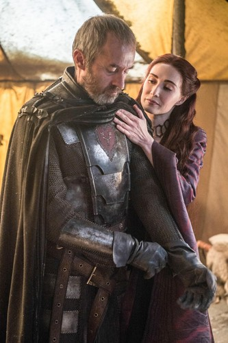 Game of Thrones karatasi la kupamba ukuta possibly containing a surcoat titled 5x10- Mother's Mercy