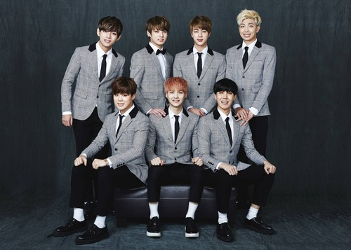 BTS hình nền containing a business suit, a suit, and a well dressed person entitled BTS 2nd Anniversary 가족사진 'Real Family Picture' part.1