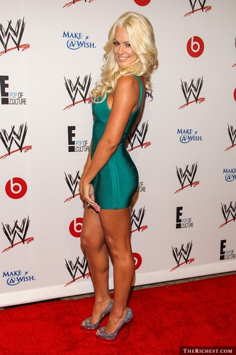 Maryse Ouellet wallpaper containing a leotard called Beautiful Maryse
