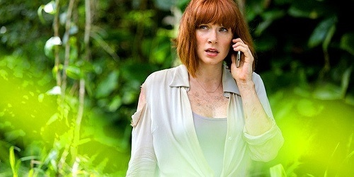http://images6.fanpop.com/image/photos/38500000/Claire-Dearing-jurassic-world-38585480-500-250.jpg