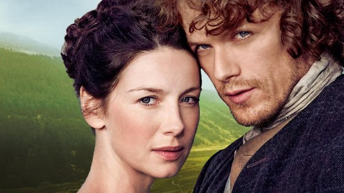 Outlander 2014 TV Series karatasi la kupamba ukuta containing a portrait entitled Claire and Jamie