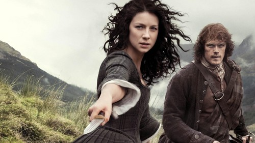 Outlander 2014 TV Series پیپر وال probably with a portrait titled Claire and Jamie