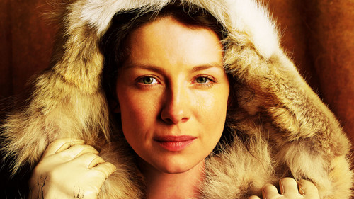 Outlander 2014 TV Series karatasi la kupamba ukuta containing a fur, manyoya kanzu, koti and a mink entitled Claire