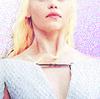 Дейенерис Таргариен фото containing a portrait entitled Daenerys