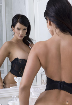 Denise Milani | Black ropa interior