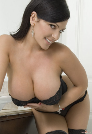 Denise Milani | Black ランジェリー