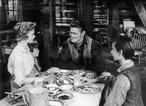 Dorothy McGuire, Kevin Corcoran, Chuck Connors and Tommy Kirk in Old Yeller