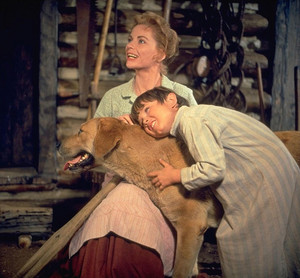 Dorothy McGuire and Kevin Corcoran in Old Yeller