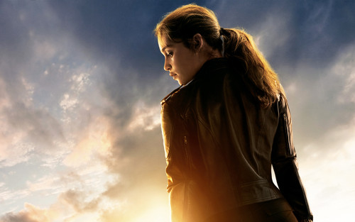 Emilia Clarke fond d'écran titled Emilia Clarke Poster