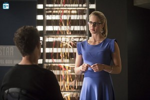 "Felicity in ""Flash vs. Arrow"""
