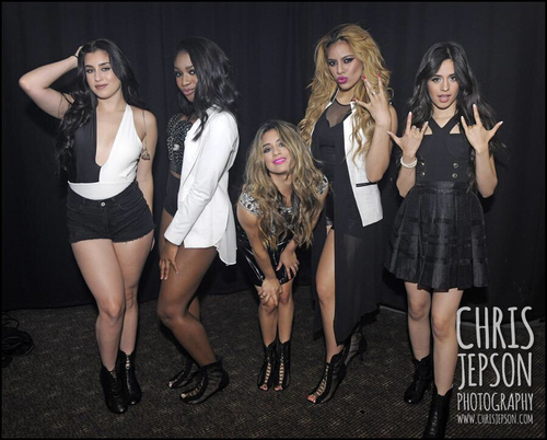 Fifth Harmony wallpaper possibly containing bare legs, a hip boot, and a playsuit, salopette corta titled Fifth Harmony♥