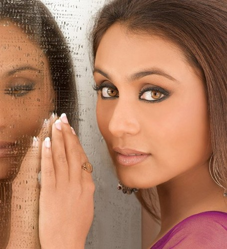 Rani Mukherjee kertas dinding possibly containing a portrait titled Gorgeous Look ever