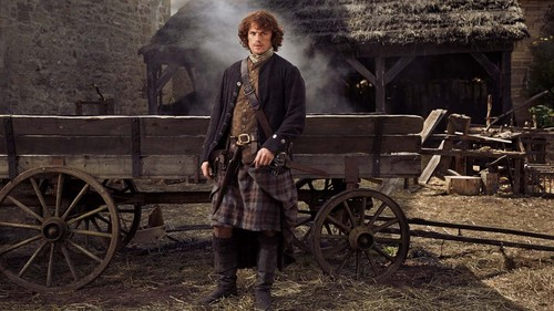 outlander série de televisão 2014 wallpaper with a chuck wagon and a stagecoach titled Jamie