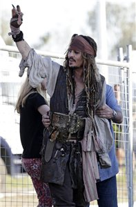 Johnny on set of POTC 5 Australia (June 2015)