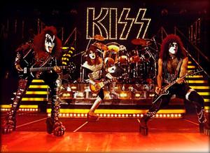 吻乐队(Kiss) 1977