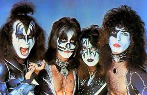 KISS (Destroyer picha session) April 9, 1976