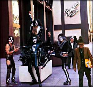 KISS (NYC) April 24, 1974