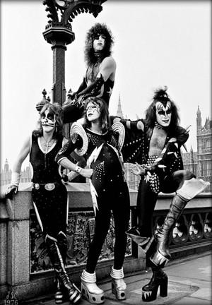 KISS ~(Westminster Bridge) London, England ~May 10, 1976