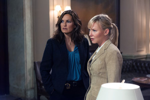 """Kelli Giddish as Amanda Rollins in Law and Order: SVU - """"Lessons Learned"""""""