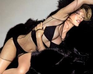 Kylie Minogue ¡Bárbara!