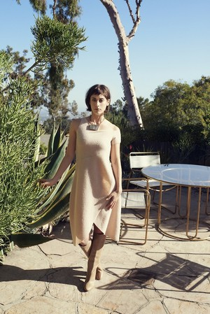 Lizzy Caplan in Glamour - October 2013