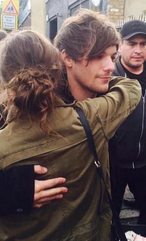 Louis with Fan 1