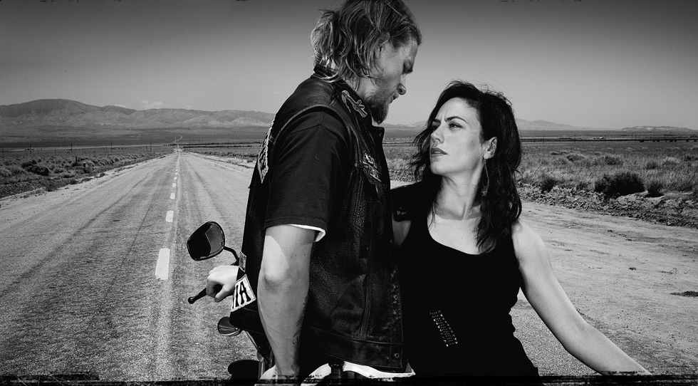 Maggie siff imagens maggie siff as tara knowles in sons of anarchy maggie siff wallpaper with a faixa de rodagem calada called maggie siff as tara knowles voltagebd Images
