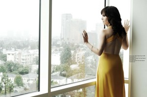 Maggie Siff in Regard Magazine - December 2012