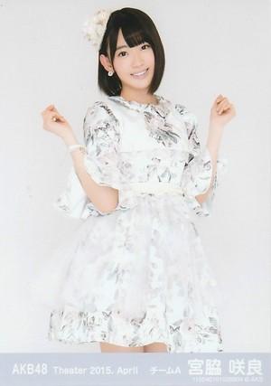 Miyawaki Sakura   Akb48 theater 2015