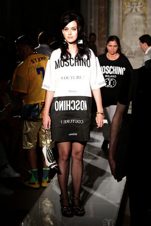 Moschino Men Fashion Показать