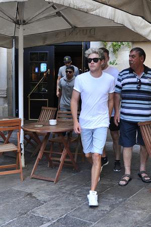 Niall leaving Dunne's Irish Bar