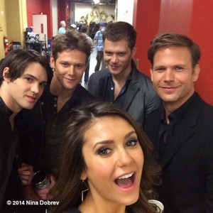 Nina dobrev with steven mcqueen,zach roerig,joseph morgan and matthew davis