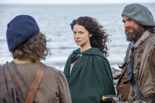 "serial tv outlander 2014 wallpaper entitled Outlander ""To Ransom a Man's Soul"" (1x16) promotional picture"