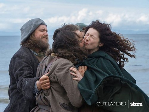 "Outlander 2014 TV Series karatasi la kupamba ukuta called Outlander ""To Ransom a Man's Soul"" (1x16) promotional picture"