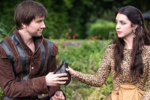 """Reign """"A Chill in the Air"""" (1x05) promotional picture"""