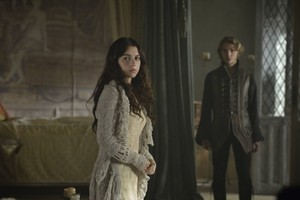 "Reign ""Chosen"" (1x06) promotional picture"