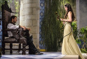"""Reign """"Hearts and Minds"""" (1x04) promotional picture"""