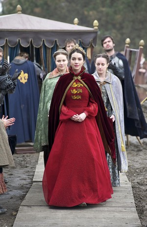 "Reign ""Slaughter of Innocence"" (1x22) promotional picture"