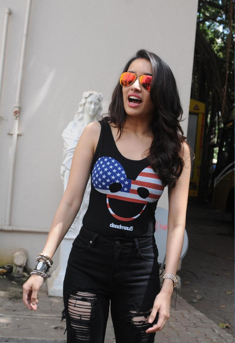 shraddha kapoor images shraddha kapoor at abcd2 promotion in mumbai