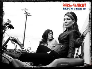 Sons of Anarchy Wallpaper - Tara Knowles and Gemma Teller
