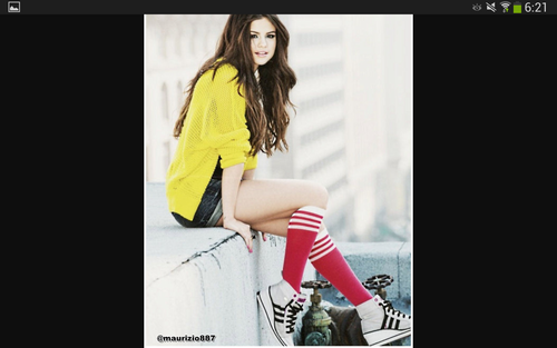 selena gomez wallpaper containing a hip boot entitled Spor Girl
