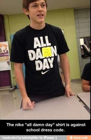 That Nike chemise