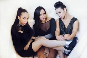 The Kaplan Sisters - Photoshoot