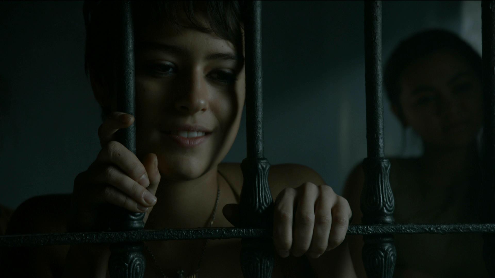 Смотреть трахну заключенную, Охранник трахает заключенную в тюрьме порно видео 7 фотография
