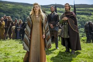 "Vikings ""Mercenary"" (3x01) promotional picture)"